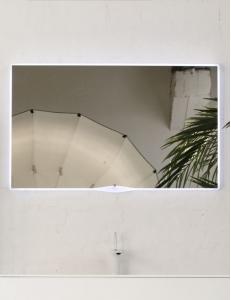 Eqloo Aura прямоугольное зеркало для ванной со светодиодной подсветкой