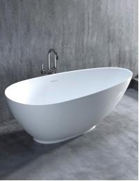 Salini PAOLA – Отдельностоящая ванна из литого мрамора, на подиуме