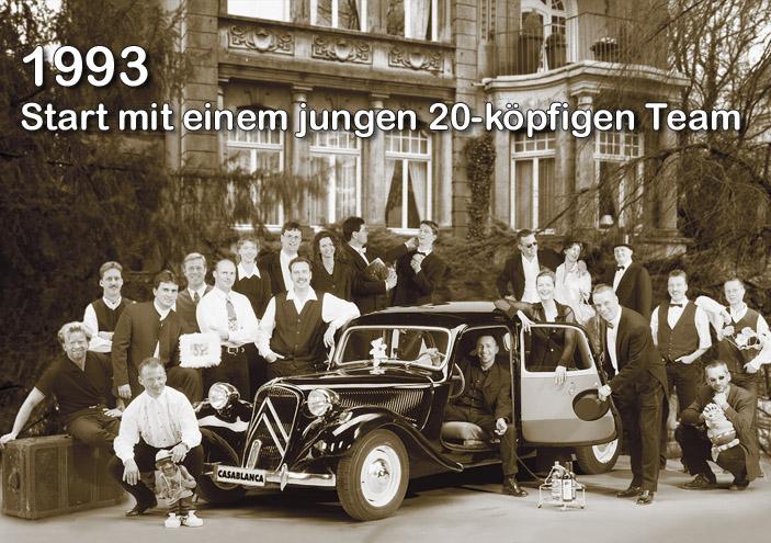 Основание компании «Casablanca» в 1993 году в Германии  в городе Бохольт. На фото 20 человек — родоначальники компании.