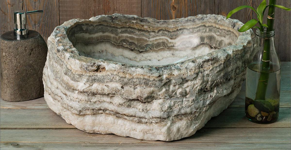 Раковина из натурального речного камня RiverStone